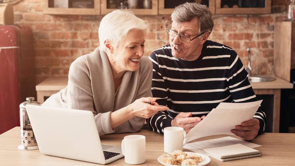 Можно ли по выходу на пенсию перевестись в негосударственный пенсионныйфонд