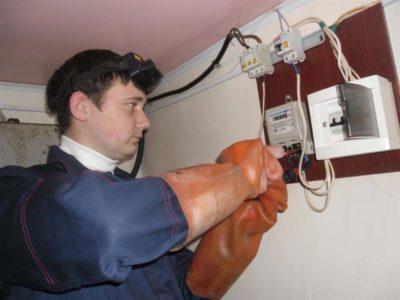 Кто должен менять электросчетчик в квартире собственника согласно 354 постановлению
